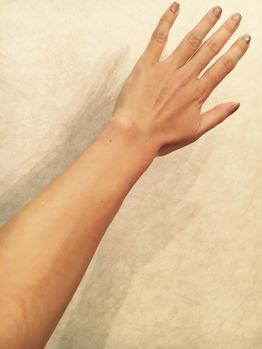 ボディカラーリング(スプレータンニン)前の腕